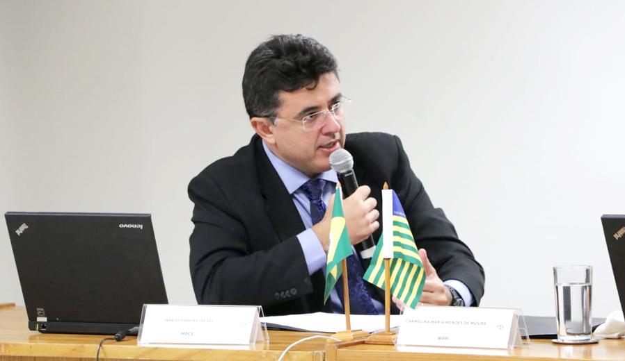 Procurador-geral de Justiça Manuel Pinheiro em reunião do CNPG